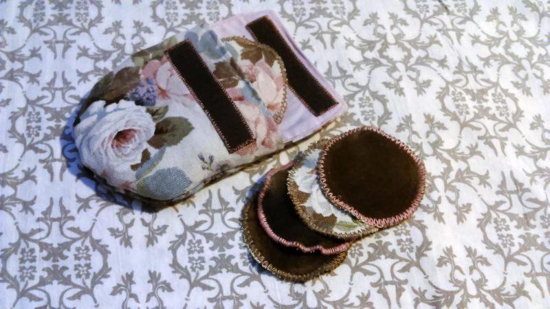Pratelné odličovací tampóny v taštičce
