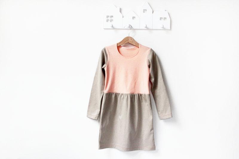 Jak ušít dětské šaty (návod + střih)