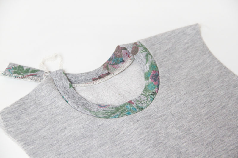 Jak ušít šaty z teplákoviny (návod + střih)