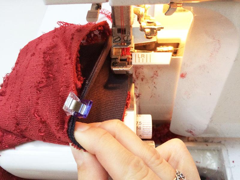 Jednoduchý střih na dámskou mikinu BASIC - návod jak ušít mikinu