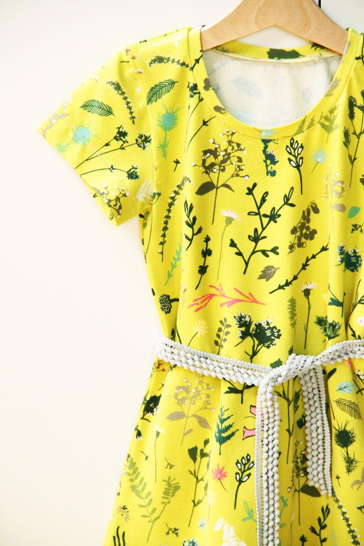 Střih na dětské šaty - jednoduché (vhodné i pro začátečníky)