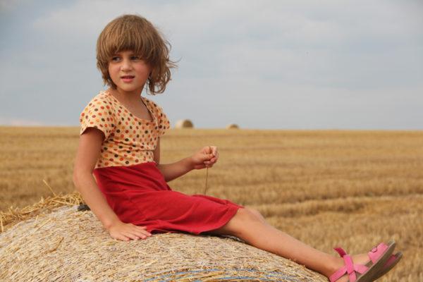 Střih na jednoduché dětské šaty