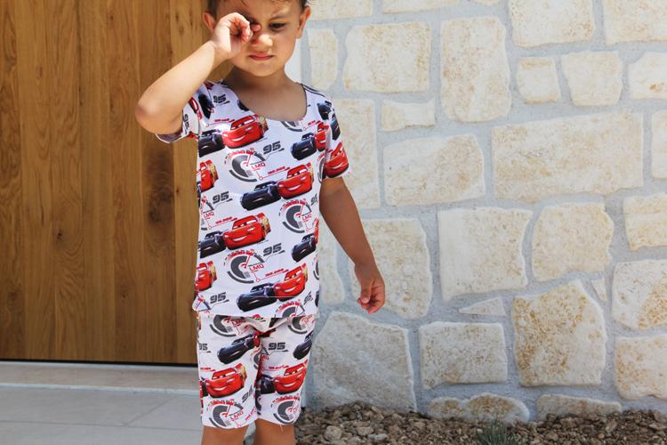 Dětská souprava -střih na dětské tričko a dětské šortky nebo bermudy