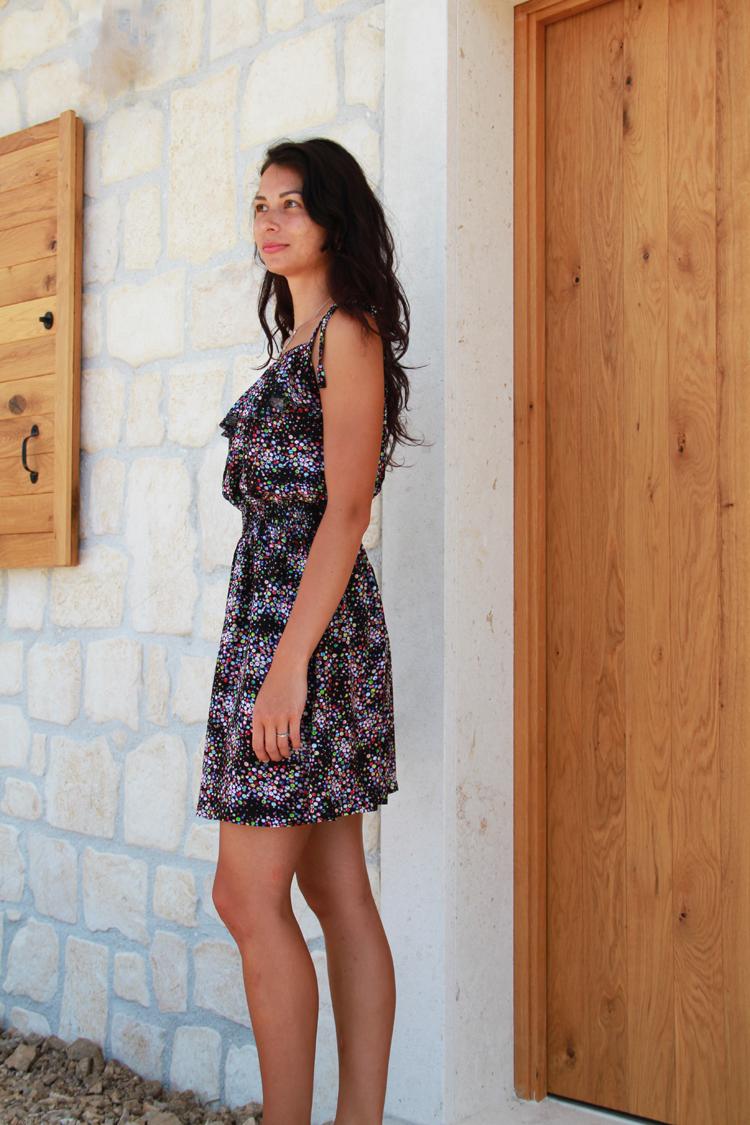 41c8a8e995f6 Střih na dámské šaty z tkaniny - např. viskózové halenkoviny + návod na šití