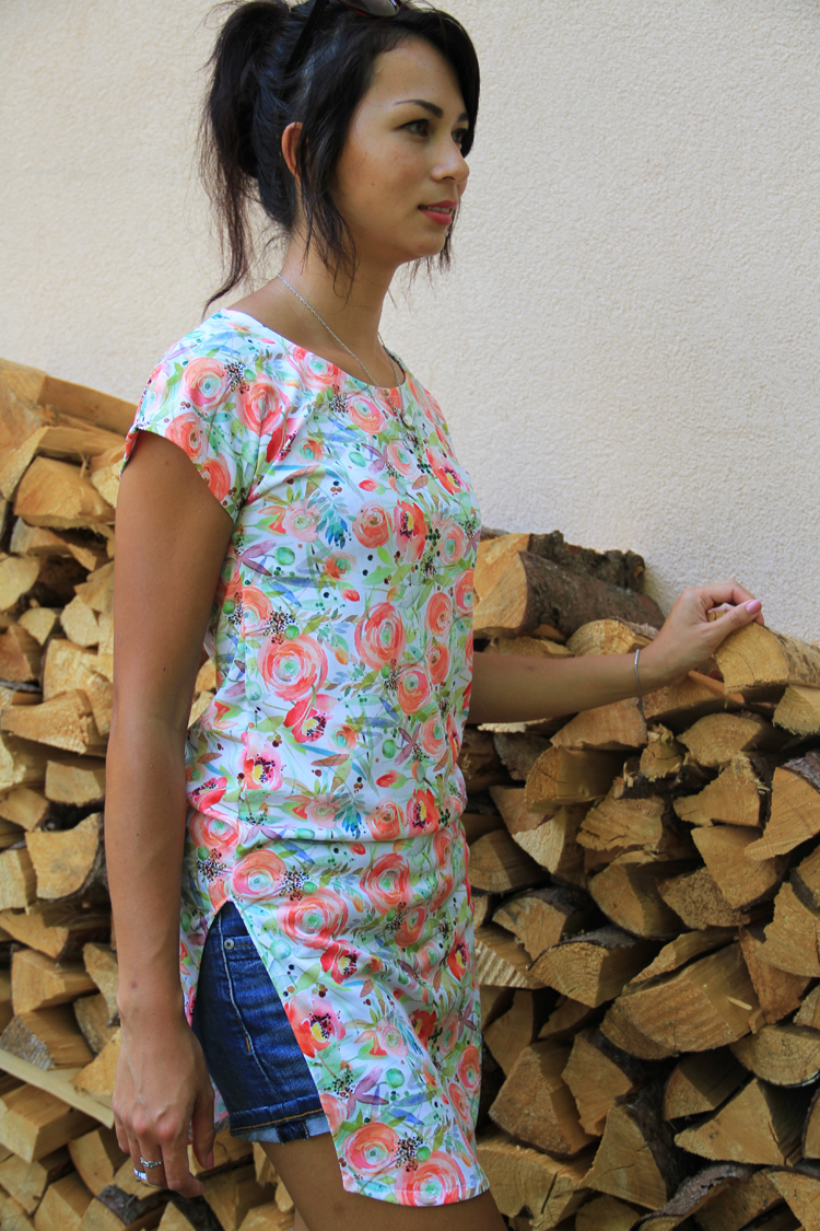 11297a88a67 Střih na dámské tričko s přinechanými rukávy (32 - 62) - Prošikulky.cz