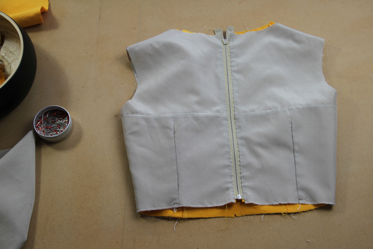 Jak všít zip do oděvu s podšívkou