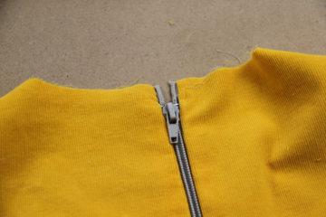 0ba929960fbf VIDEO návod jak všít zip do oděvu s podšívkou