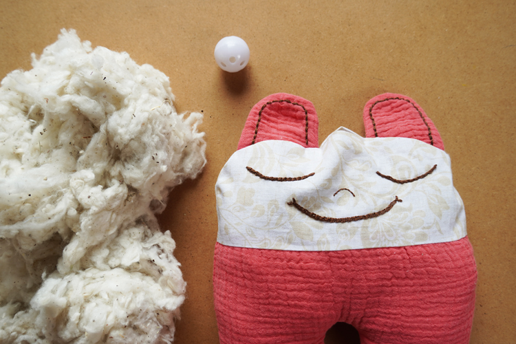 Návod jak ušít dětskou hračku - mazlící mumínek + střih zdarma