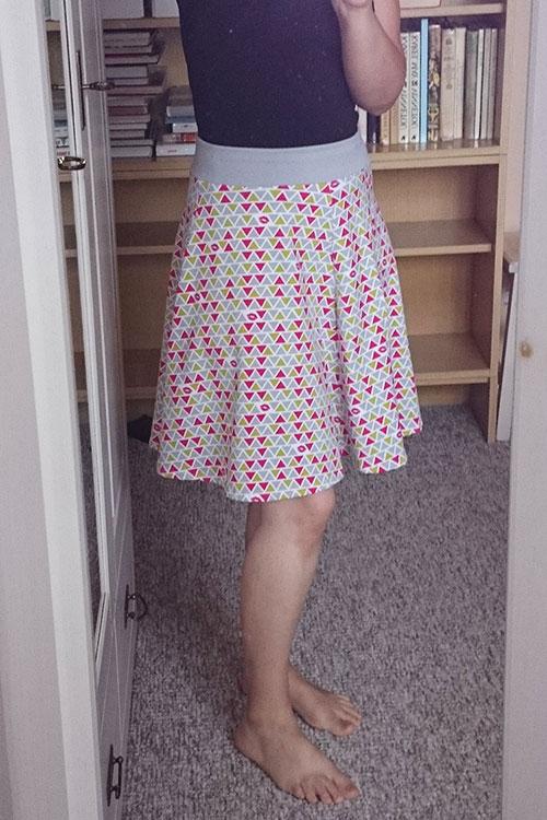 Střih zdarma - dámská sukně SWING - ušila Lucie J.