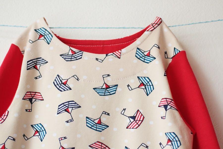 Dětské námořnické pyžamo s loďkami