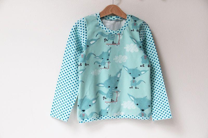 Střih na dětské tričko s dlouhým rukávem