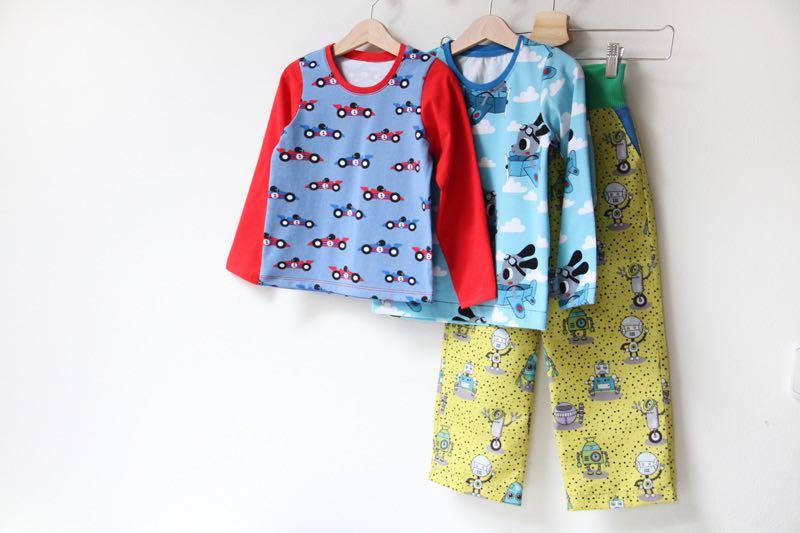 šití: Dětské tričko a kalhoty