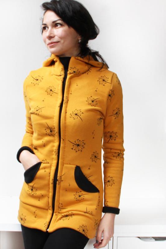 Střih a návod na dámskou mikinu na zip s kapucí