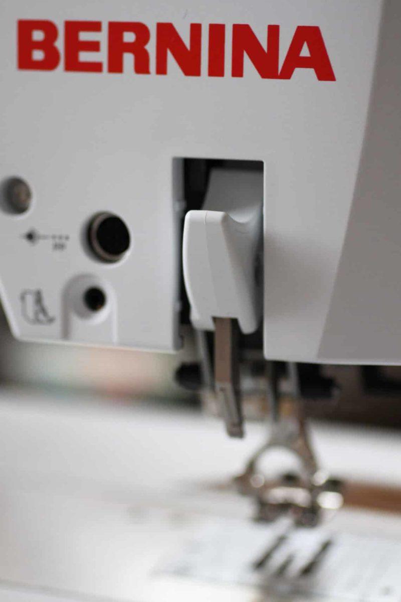 Jak vybrat šicí stroj - horní podávání