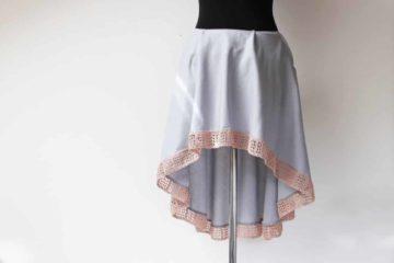 Střih a návod jak ušít dámskou asymetrickou sukni s delším zadním dílem