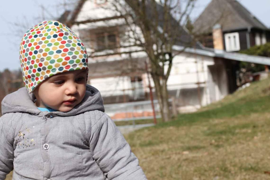 Návod a střih na dětskou podzimní nebo jarní čepici přes uši ... 7b8f7b953c