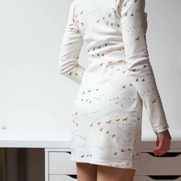 Střih na dámské elegantní polopřiléhavé šaty