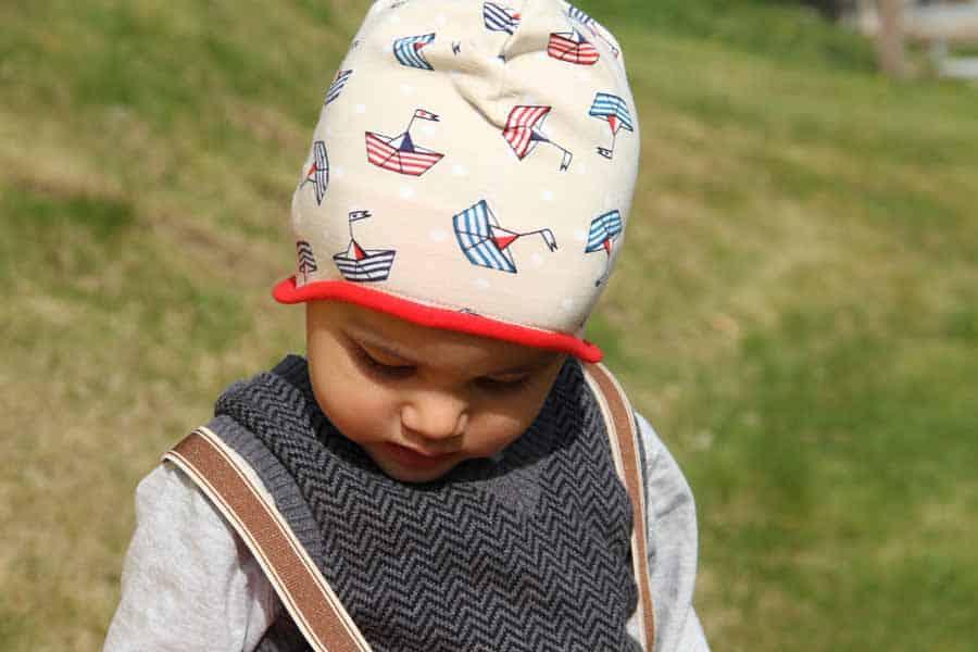 Dětská jarní nebo podzimní čepice přes uši - návod a střih