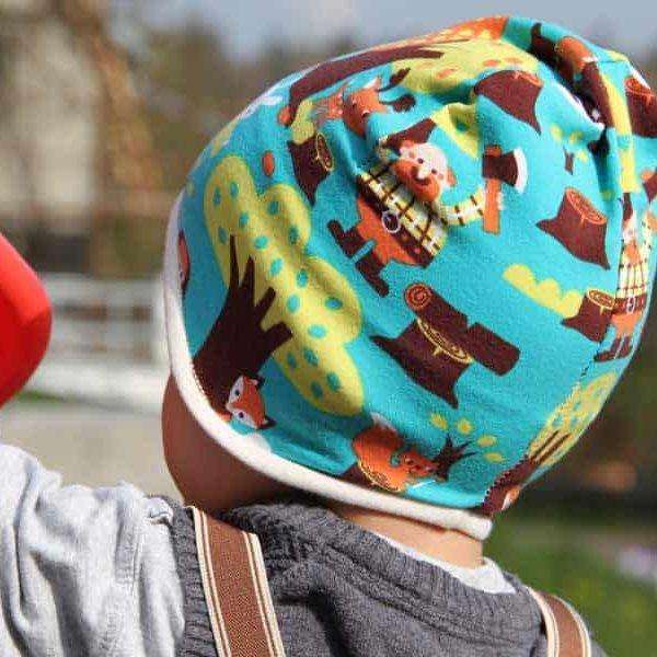 Dětská jarní či podzimní čepice přes uši