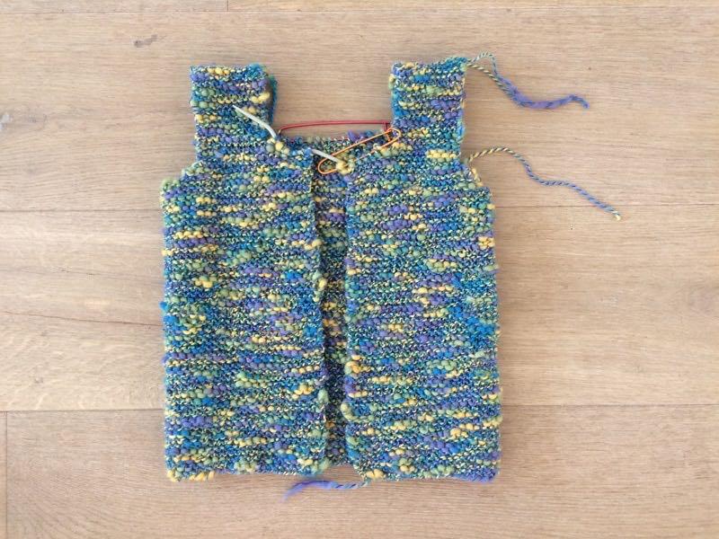 Návod na dětskou pletenou vestičku