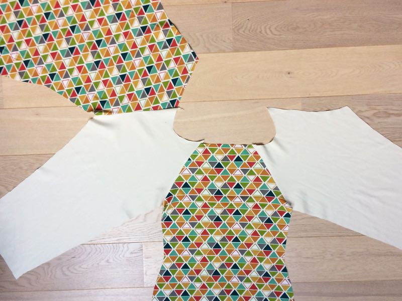 How to sew a t-shirt (or dress) with raglan sleeves and neckline facing