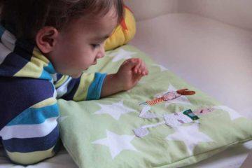 Originální nápad, jak uschovat dětské obrázky. Vyšívané malůvky na polštáři