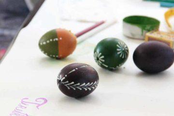Barvení velikonočních kraslic voskem pro začátečníky a děti