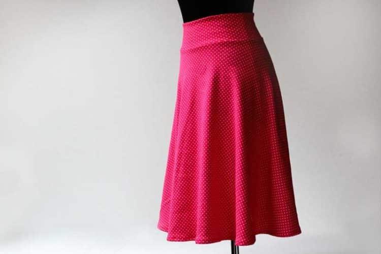 Video návod jak vyrobit střih půlkolové sukně a jak sukni ušít