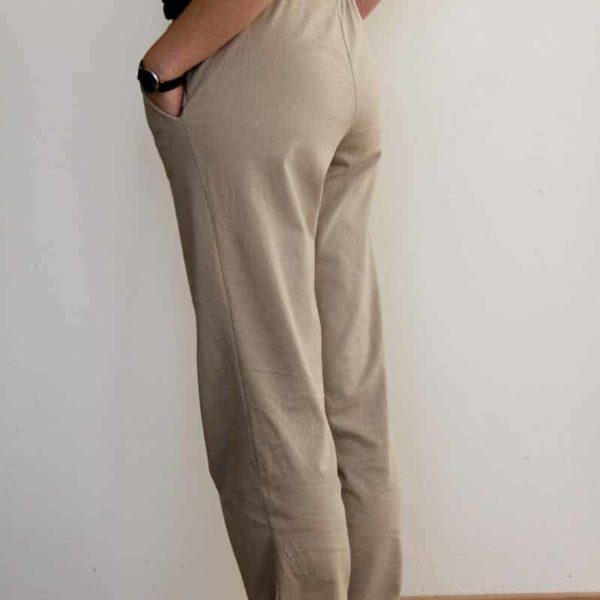 Střih na dámské domácí kalhoty (tepláky) do pasu