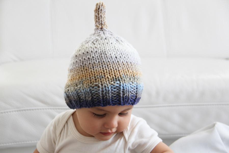 Pletená dětská čepička pro malého skřítka