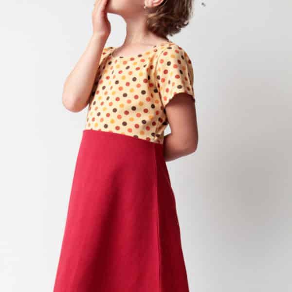 Střih na jednoduché dívčí šaty