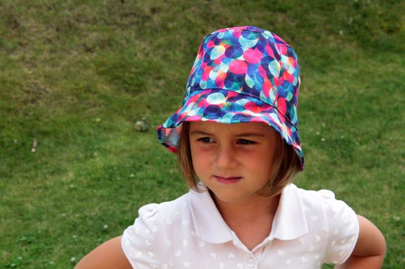 Střih na klobouk zdarma + návod (velikosti 2 - 4 roky) - Prošikulky.cz 60009510e2