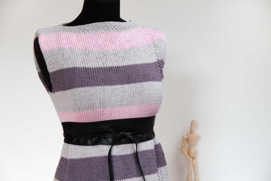 Návod na dámskou jednoduchou ručně pletenou vestu