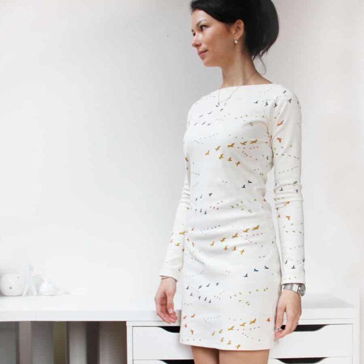 Aktualizovaná verze střihu na dámské šaty - nově v devíti ... 3399244da0